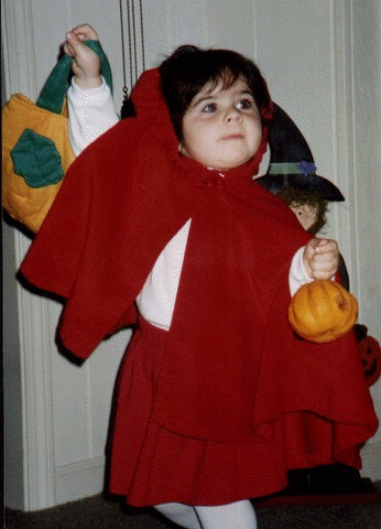 Hlwn lil red riding hood