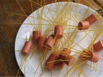 Spaghetti dogs2