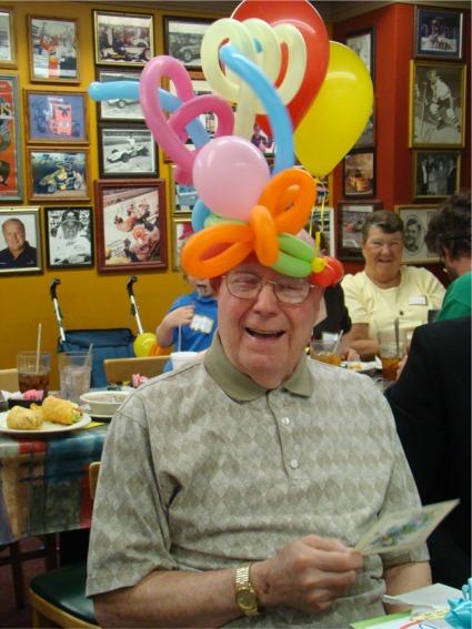 Poppop balloon hat