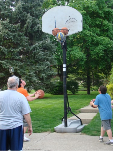 Dad bball shooting