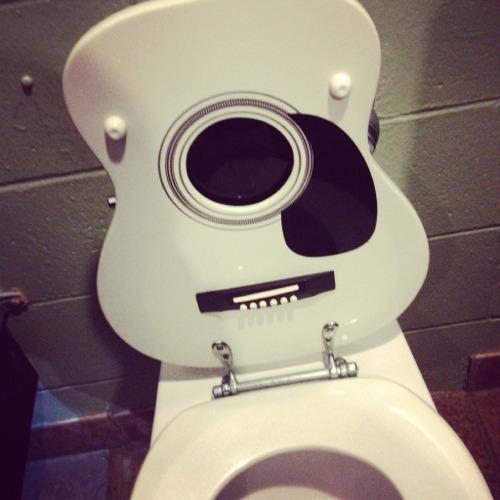 Zbb toilet