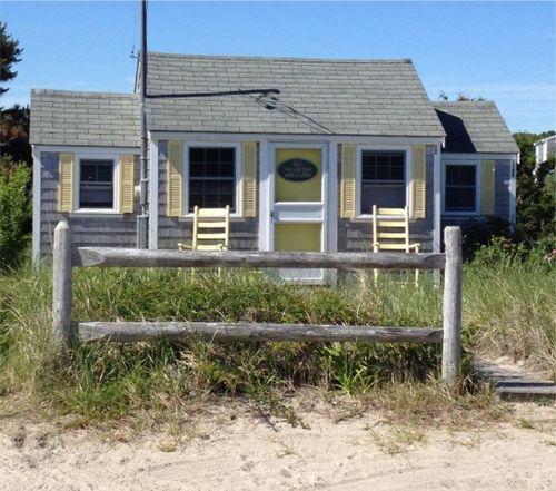 Cape cod yellow cottage