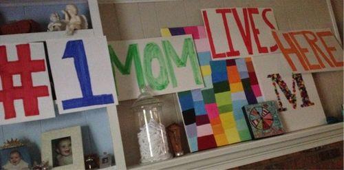 #1momliveshere