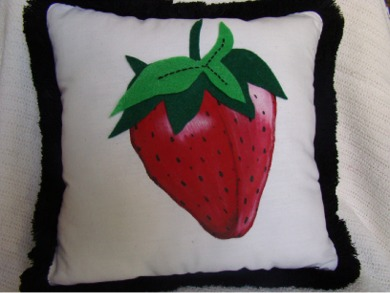 Strawberry_pillow