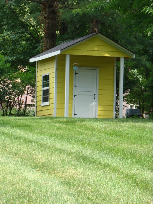 Yellow_playhouse